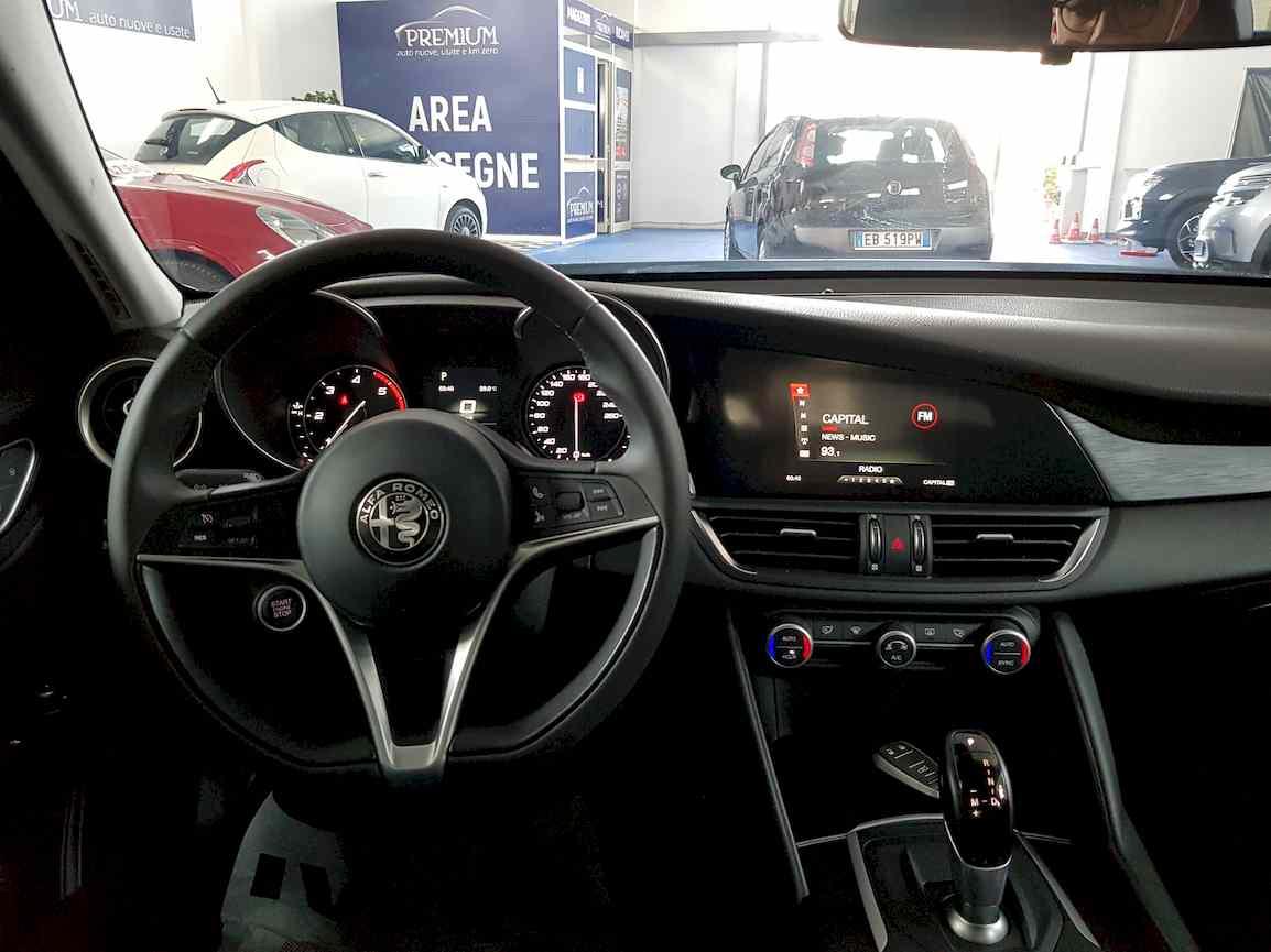 alfa_romeo_giulia_premium_auto_vendita_veicoli_nuovi_usati_enna_3