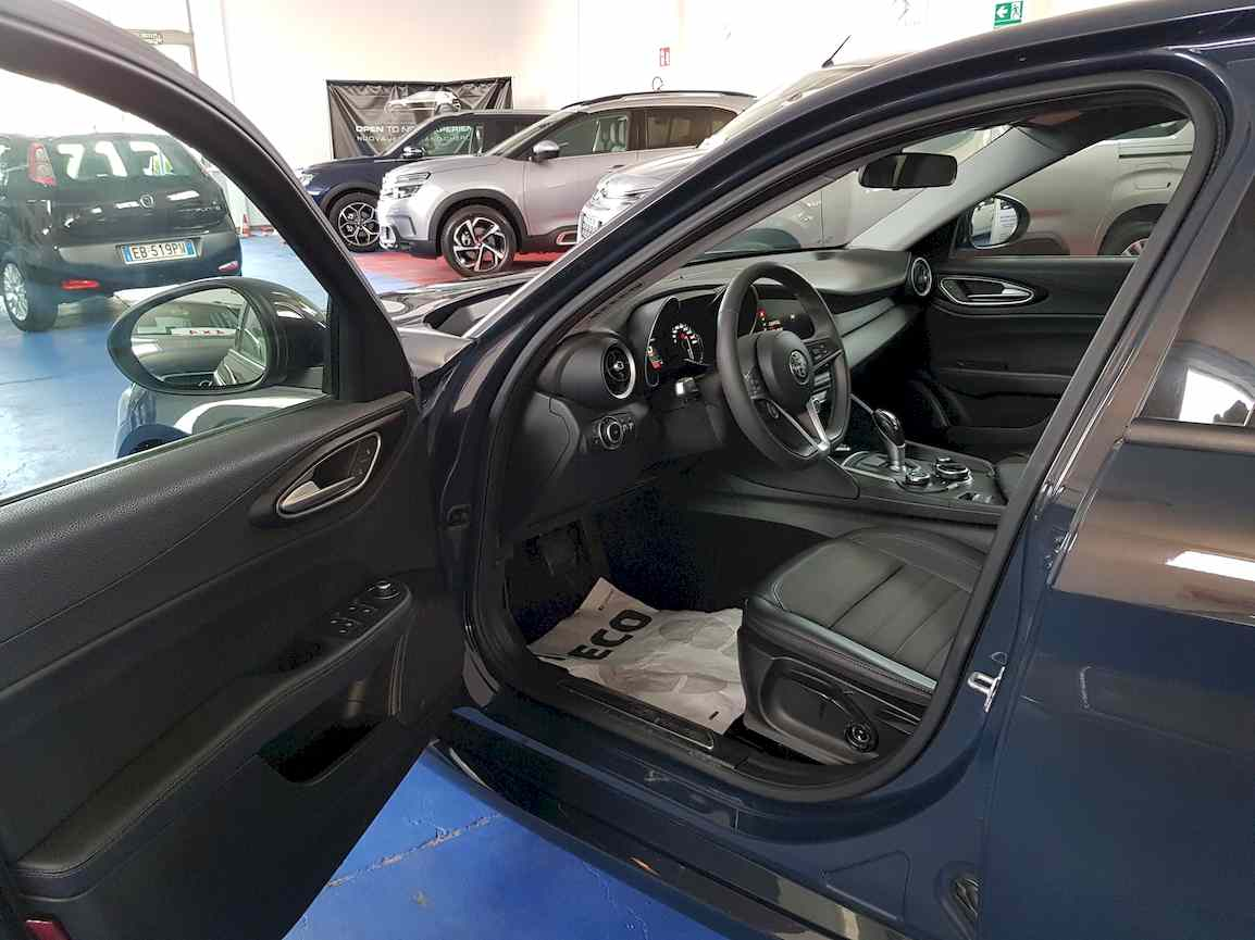 alfa_romeo_giulia_premium_auto_vendita_veicoli_nuovi_usati_enna_5