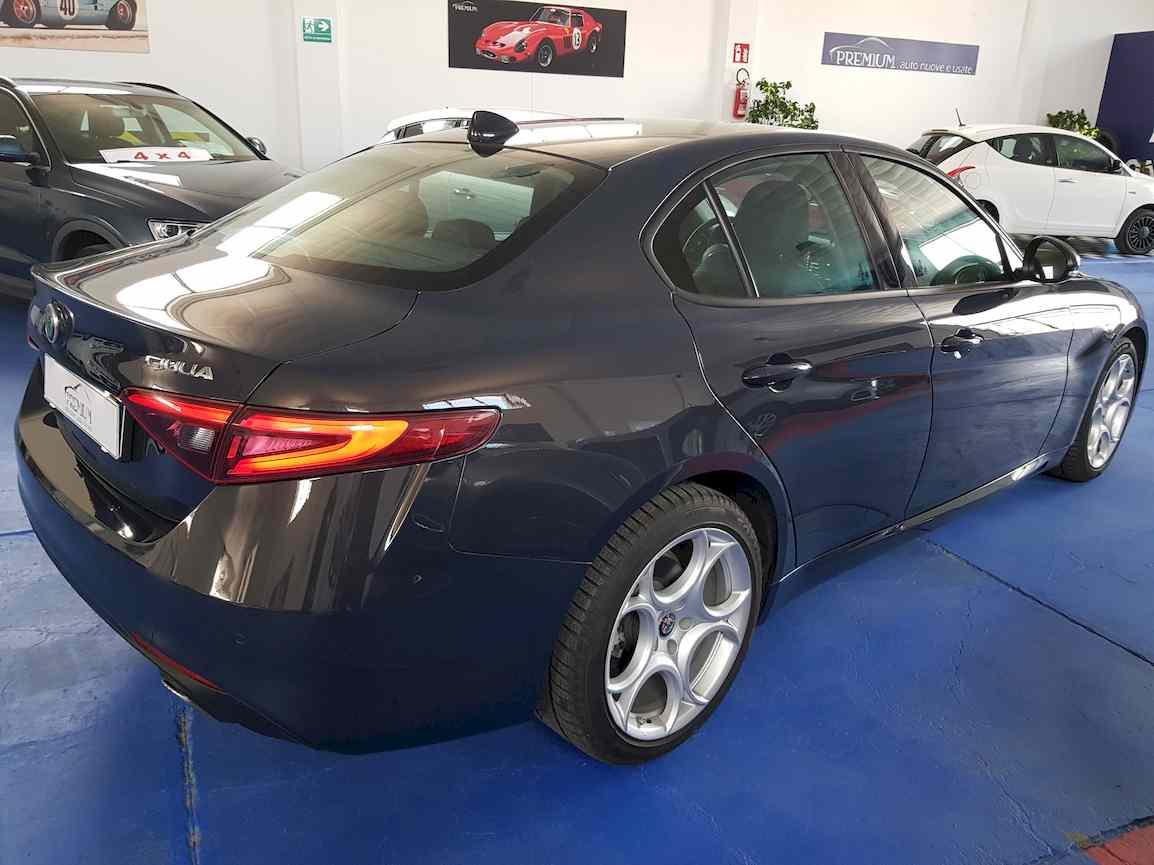 alfa_romeo_giulia_premium_auto_vendita_veicoli_nuovi_usati_enna_7