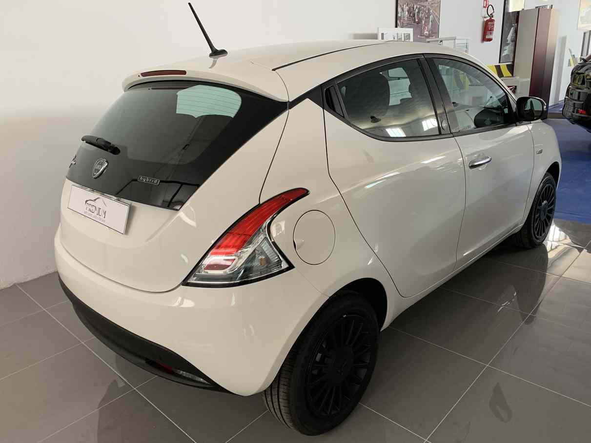 lancia_ypsilon_premium_auto_enna_vendita_auto_3