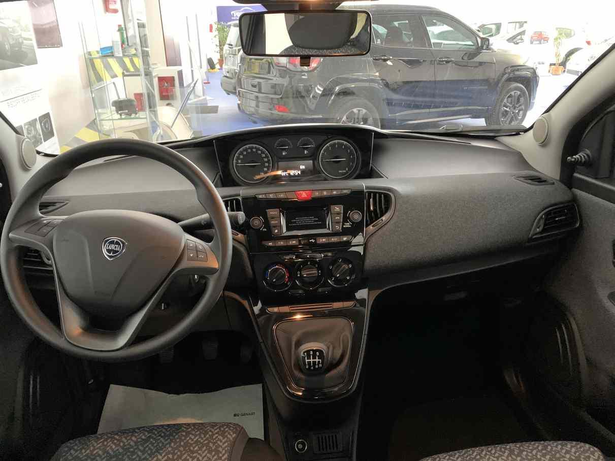 lancia_ypsilon_premium_auto_enna_vendita_auto_4