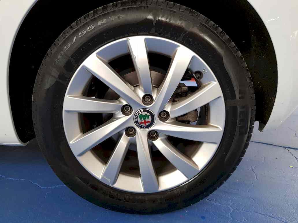 Alfa_romeo_giulietta_auto_vendita_veicoli_nuovi_usati_enna_111