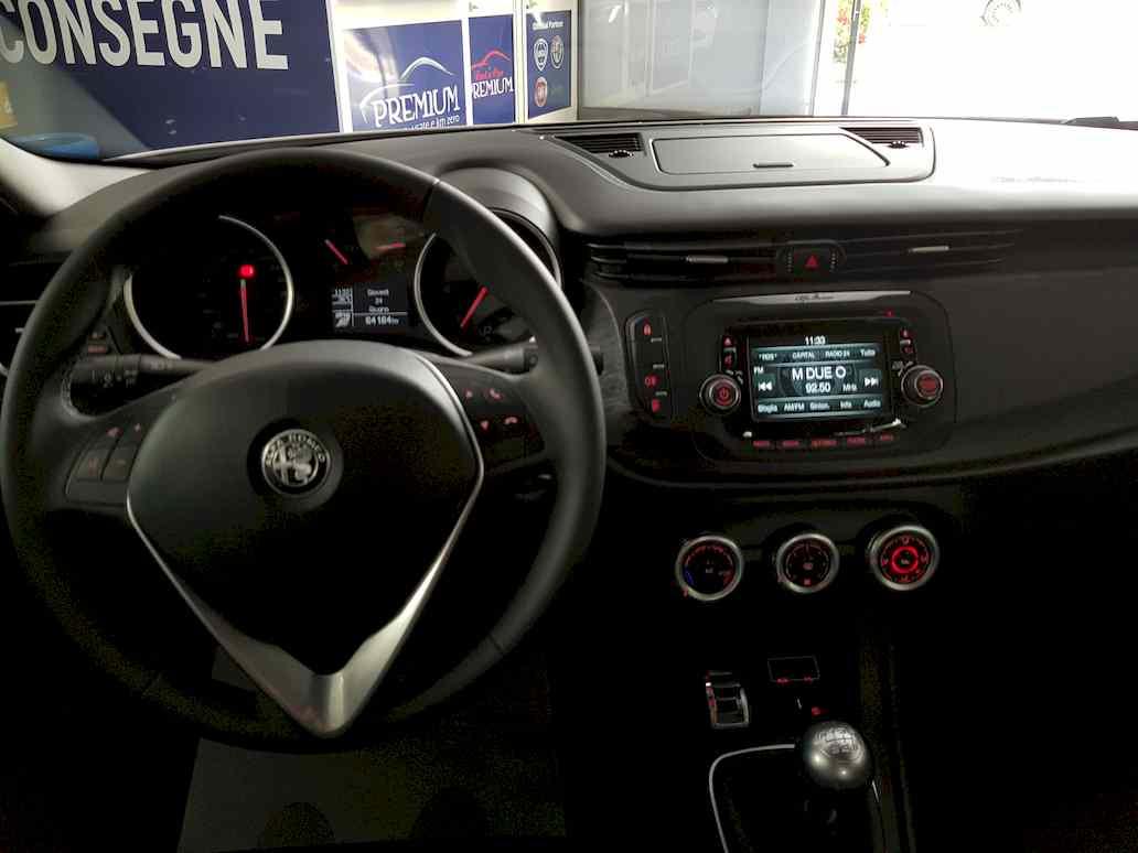 Alfa_romeo_giulietta_auto_vendita_veicoli_nuovi_usati_enna_13
