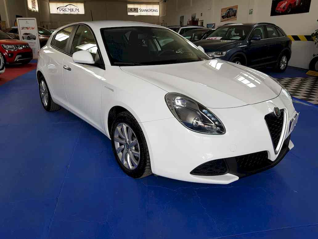Alfa_romeo_giulietta_auto_vendita_veicoli_nuovi_usati_enna_17