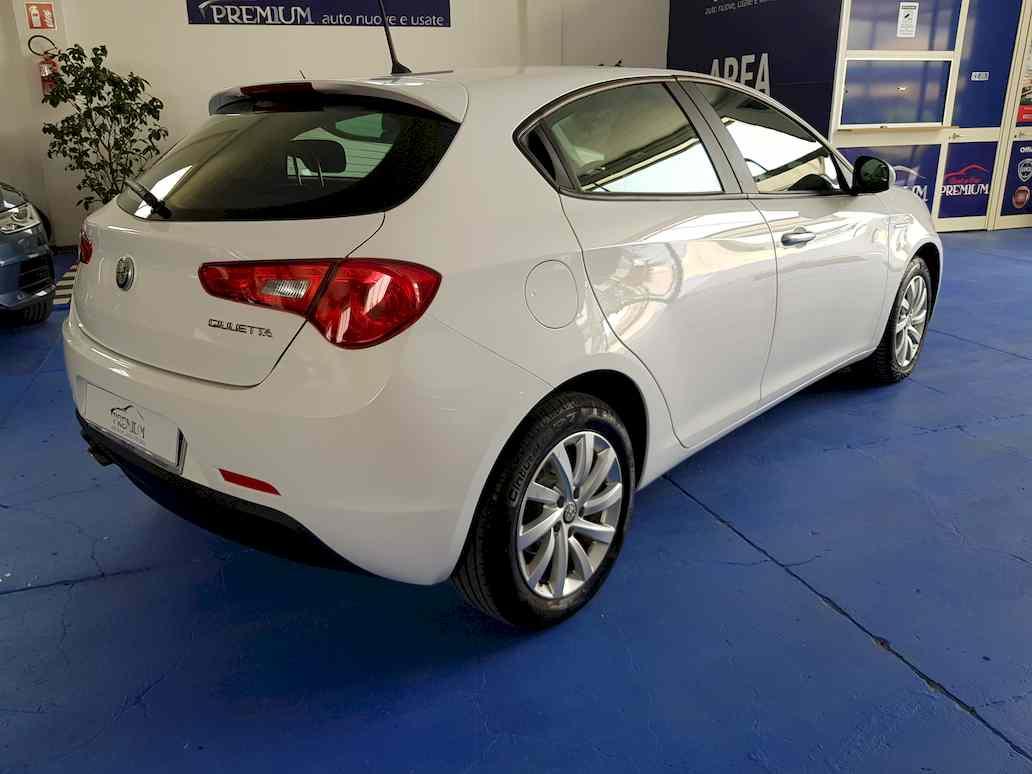 Alfa_romeo_giulietta_auto_vendita_veicoli_nuovi_usati_enna_18