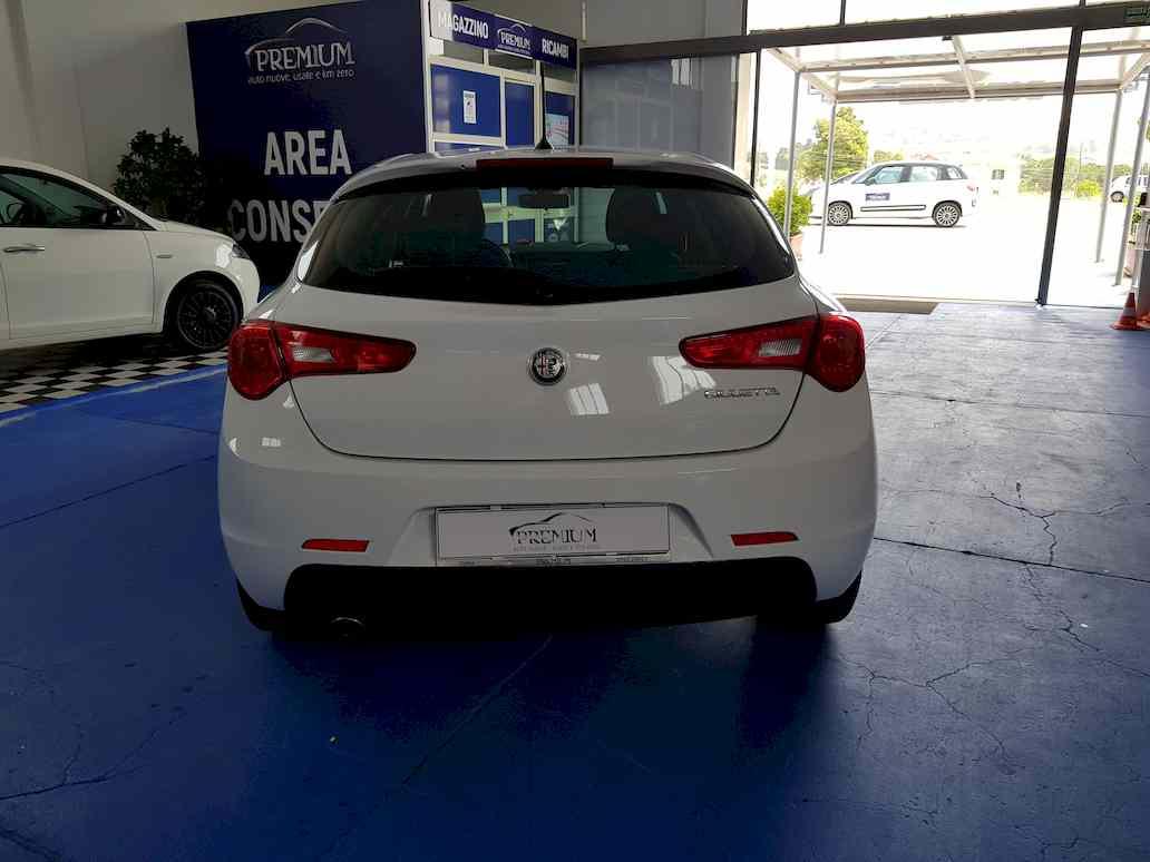 Alfa_romeo_giulietta_auto_vendita_veicoli_nuovi_usati_enna_19